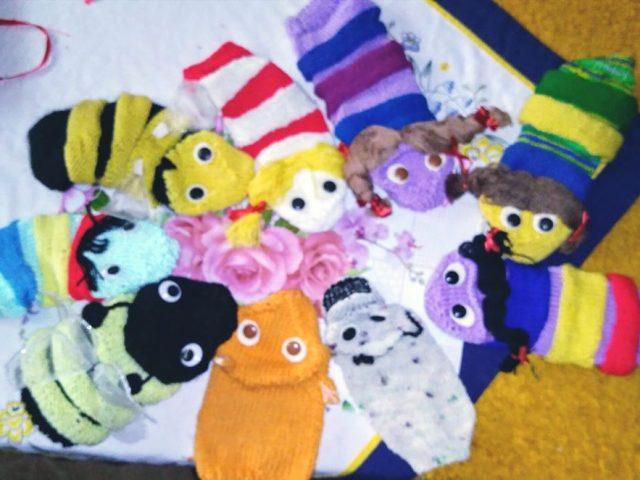 Șase meșteșuguri și un singur meșter: de la păpușele împletite pentru copii la aplici de perete din noduri