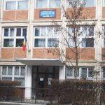 Școlile din Botoșani trec de vineri în scenariul roșu. Elevii vor învăța online!