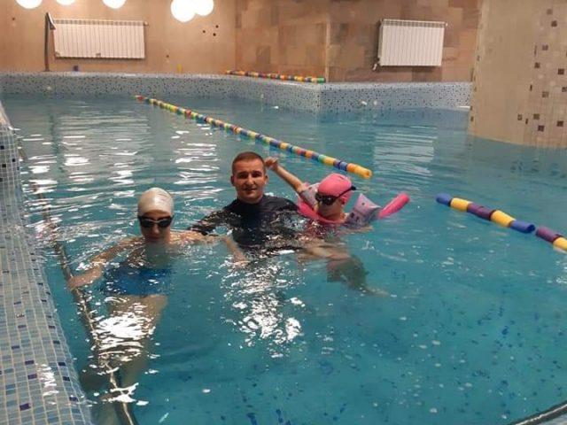 Înotul, un sport important pentru copii, afectat din cauza pandemiei